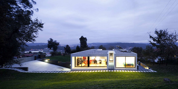 A Simple Yet Elegant Single Family House In Cambeses | Home Design
