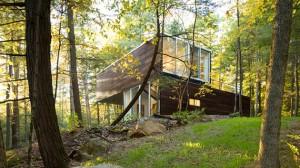 lakeside retreat nature house