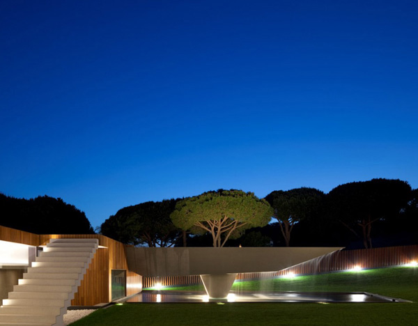 Casa Vale do Lobo Exterior Night 3