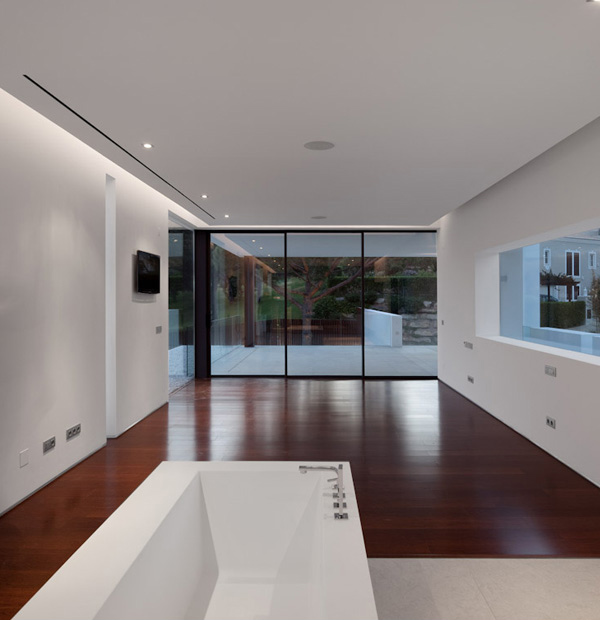 Casa Vale do Lobo Bathroom