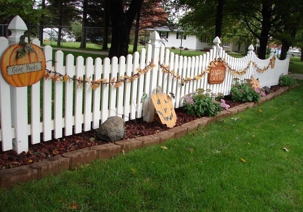 White Picket Pumpkin Fence