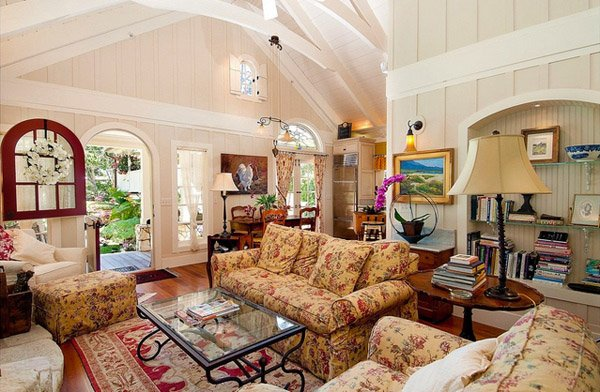 floral living room - Traditional Living Room Design Ideas