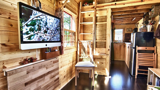Super Tiny House Mobile Marvelous 21 Home A Tiny Mobile Home On Wheels Largest Home Design Picture Inspirations Pitcheantrous