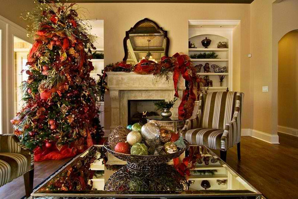 15 Christmas Decorated Living RoomsHome Design Lover