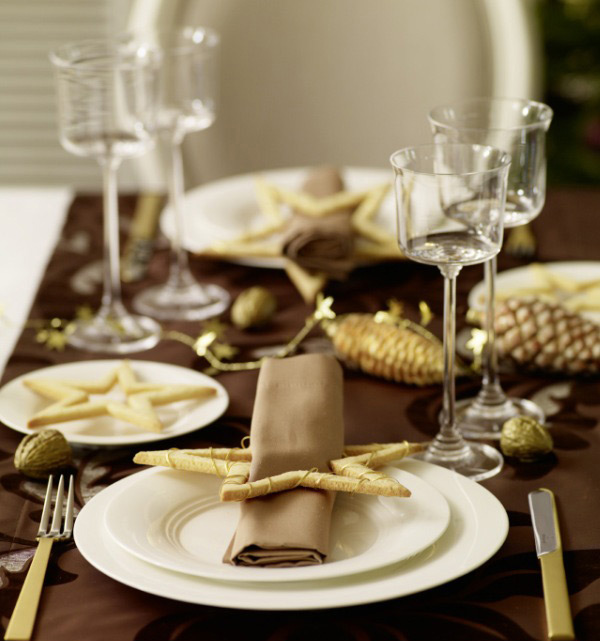 Holiday Table Setting 2