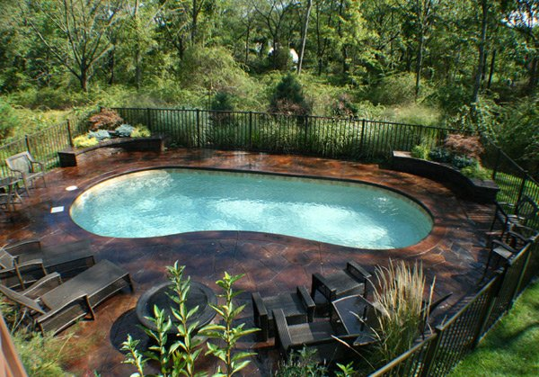 kidney shaped pools