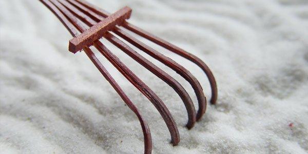 Rake the sand