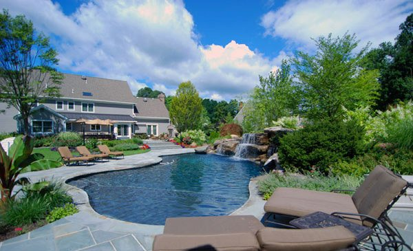 flowing water design - Swimming Pool Landscape Design