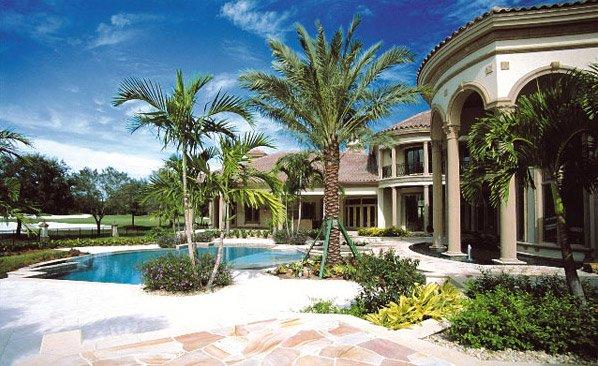 tropical theme backyard