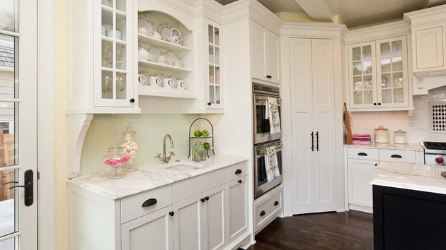 15 classic to modern kitchen pantry ideas home design lover - Butler Pantry Design Ideas