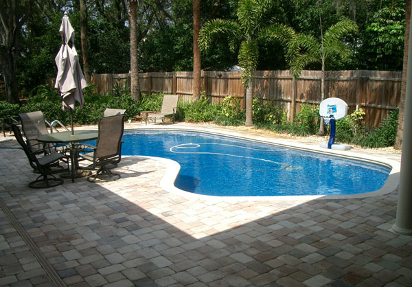 small basketball ring - Backyard Pool Design Ideas