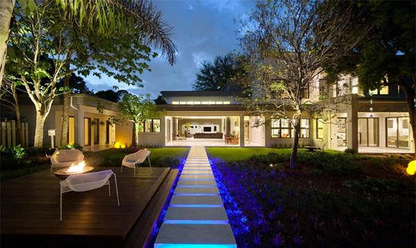 dramatic landscape lighting ideas  home design lover, Backyard Ideas