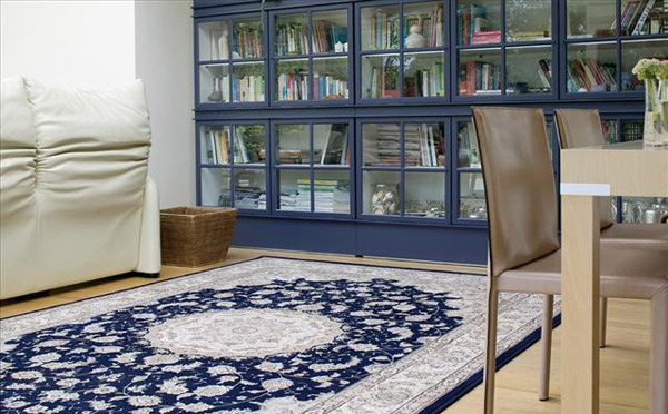 Diamond Traditional Wool Rug in Blue 7228/520