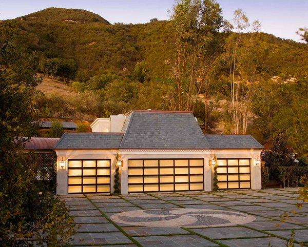 Hollywood Regency Estate