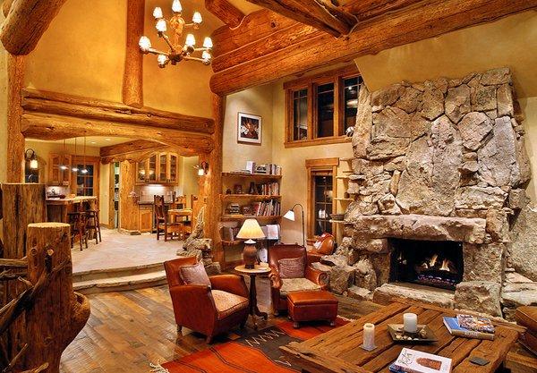 lodgepole pine - Log Cabin Living Room