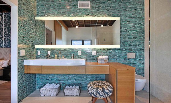 Brown and turquoise bathroom