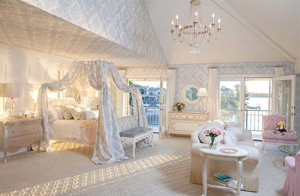 Room with Canopy