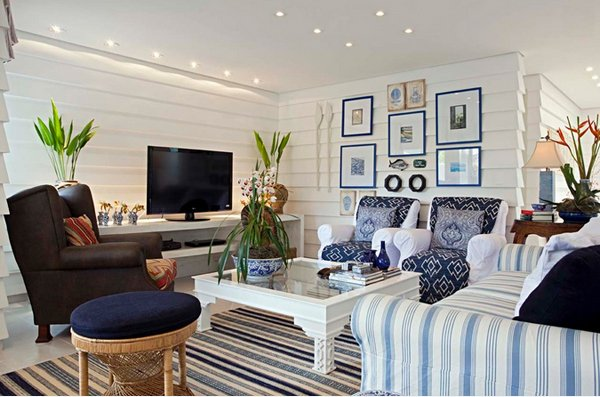 Groovy 15 Awesome Beachy Living Rooms Home Design Lover Largest Home Design Picture Inspirations Pitcheantrous