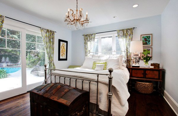 15 Awesome Antique Bedroom Decorating Ideas | Home Design Lover