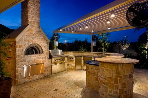 15 Ideas for Highly Functional Traditional Outdoor Kitchens – Outdoor Kitchen Lighting