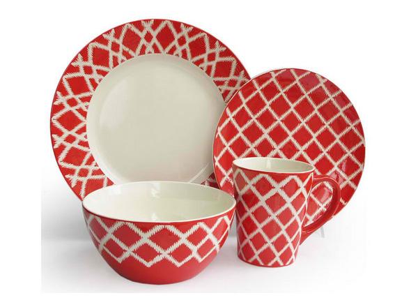 Plaid Red 16 Piece Dinnerware Set