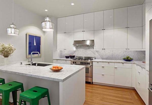 15 astounding peninsula shaped modern kitchens home for Peninsula kitchen ideas