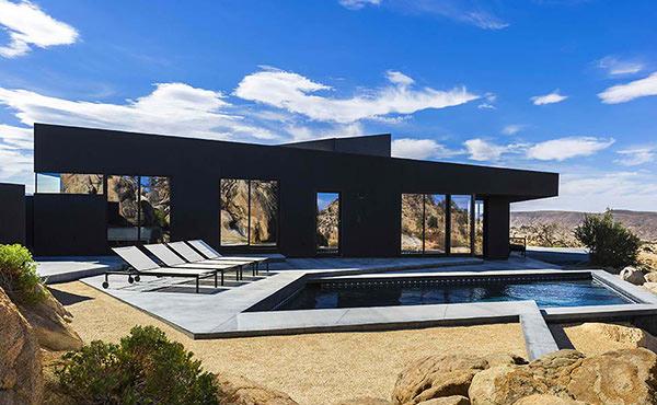 Black Desert Mansion