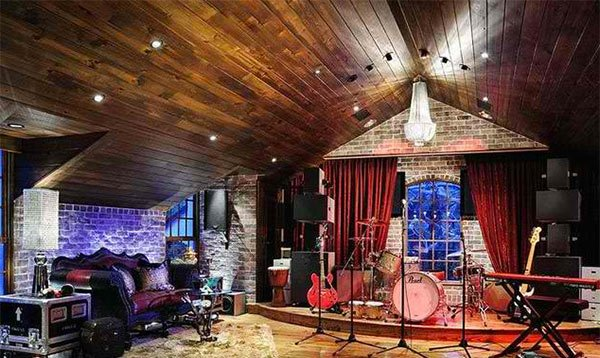 high cathedral ceiling - Home Music Studio Design Ideas