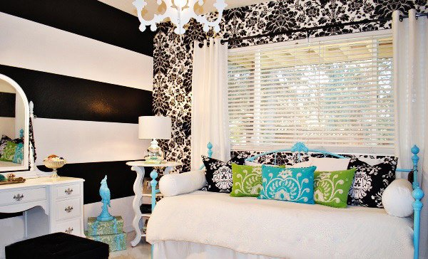 Pretty Combo of Turquoise and Black in 15 Bedroom InteriorsHome