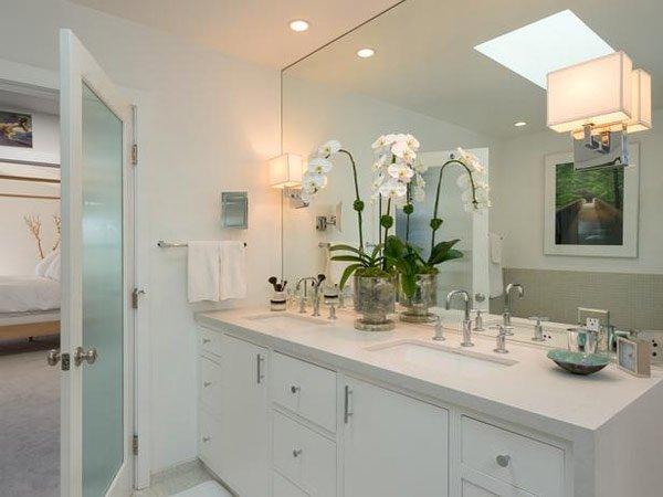 20 Classy and Functional Double Bathroom VanitiesHome Design Lover