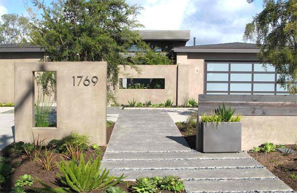 Modern Garden on Crest