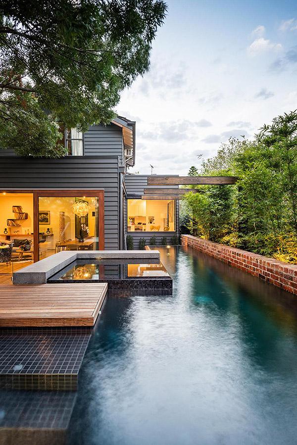 Naroon modern backyard