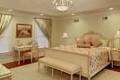 rich master suite