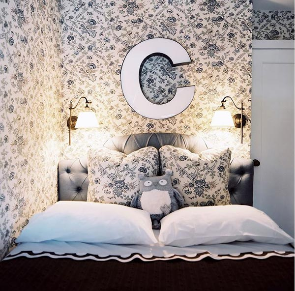 Brown And Blue Floral background. 20 Captivating Bedrooms With Floral Wallpaper Designs   Home