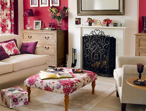Coral/Floral Living Room - 20 Living Rooms Blossoming With Florals Home Design Lover
