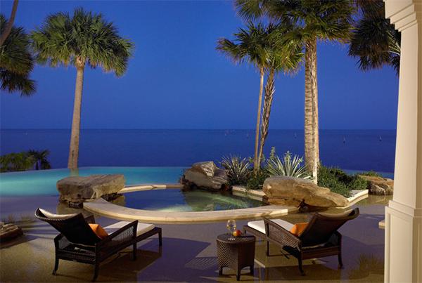 beachfront swimming pools
