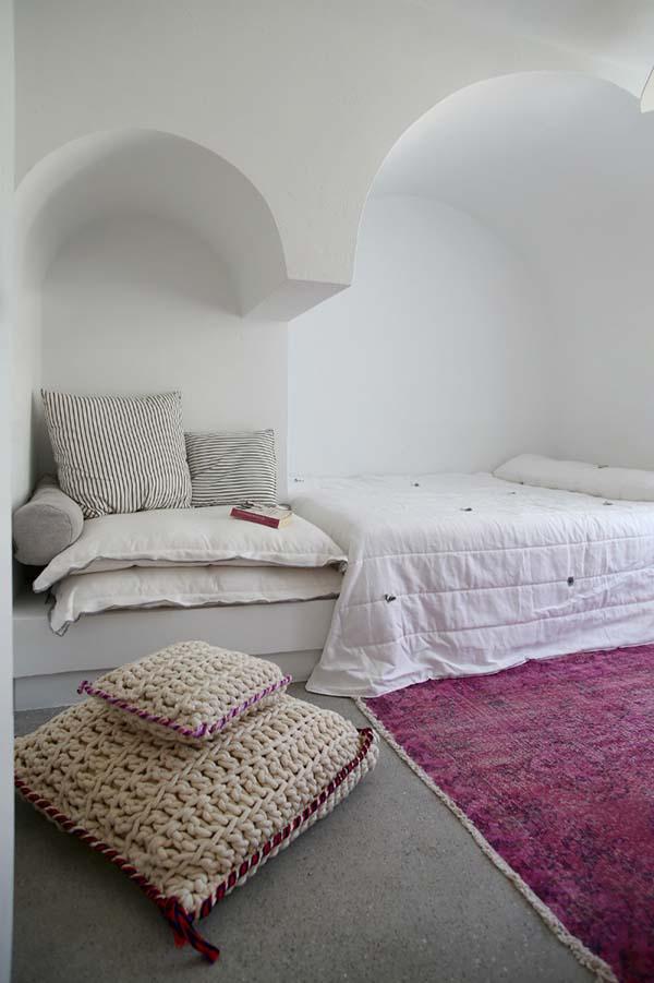 Greece-inspired bedroom
