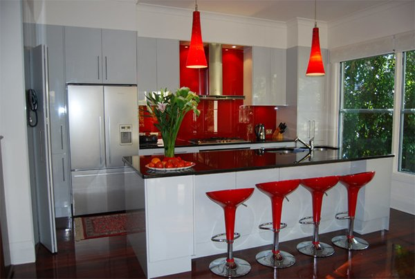 red chairs backsplash