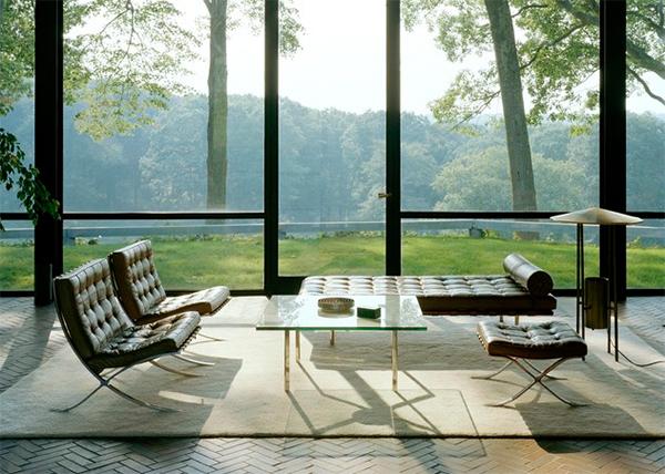 Cửa kính cường lực đẹp giúp chan hòa với phong cảnh