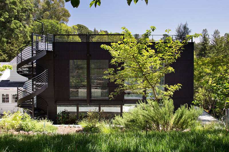 An Entertaining Modern Industrial Addition In California | Home