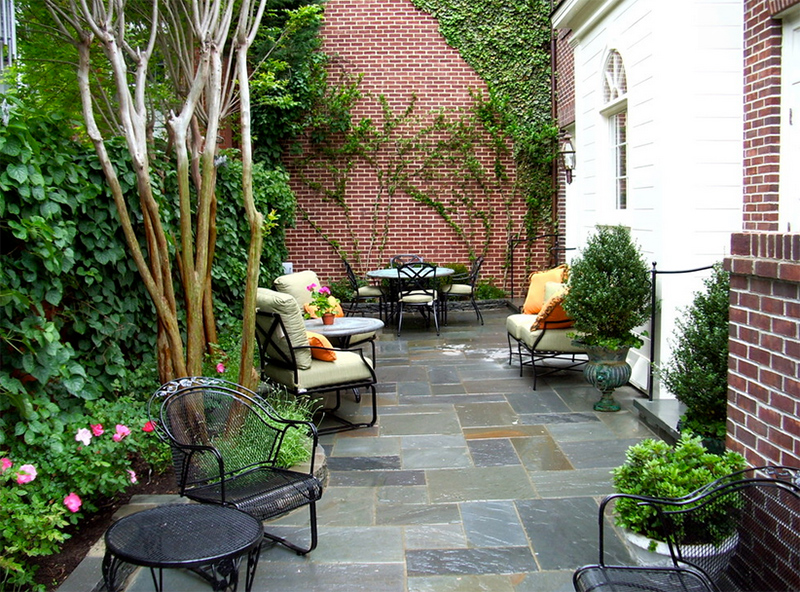traditional patio design