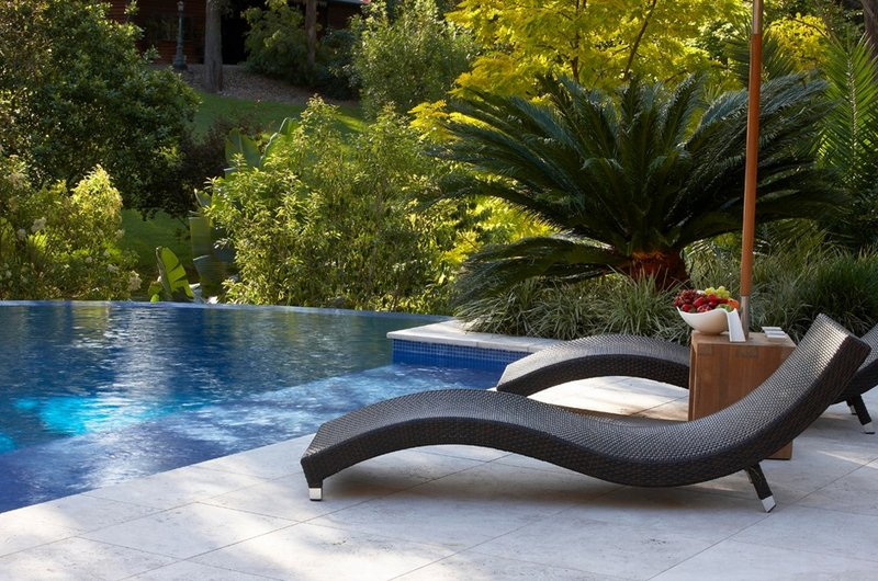 Pool Chairs in 26 Contemporary SettingsHome Design Lover