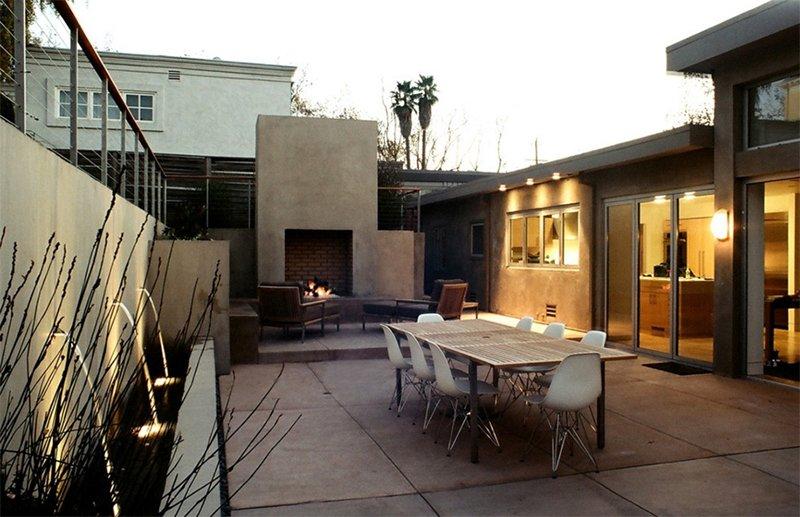 outdoor concrete fire pit