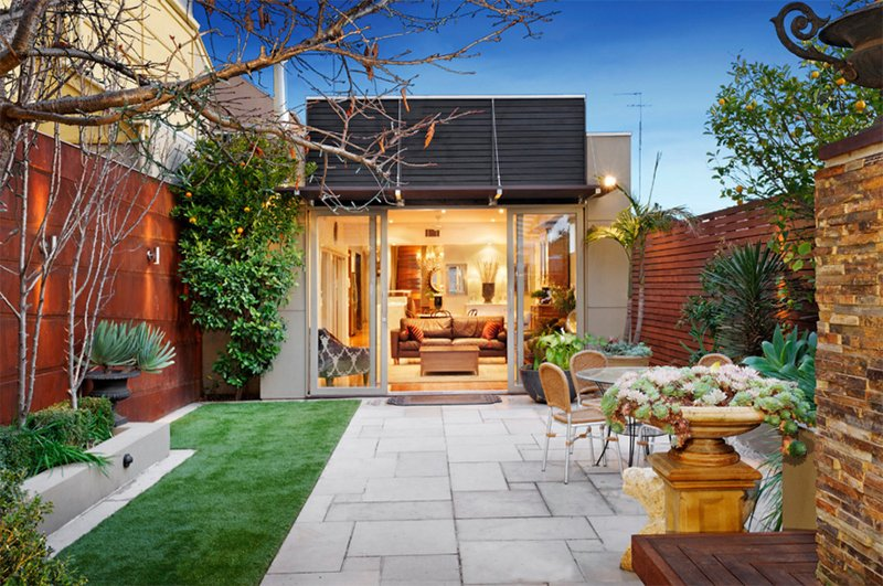 small outdoor lawn - Small Patio Design Ideas