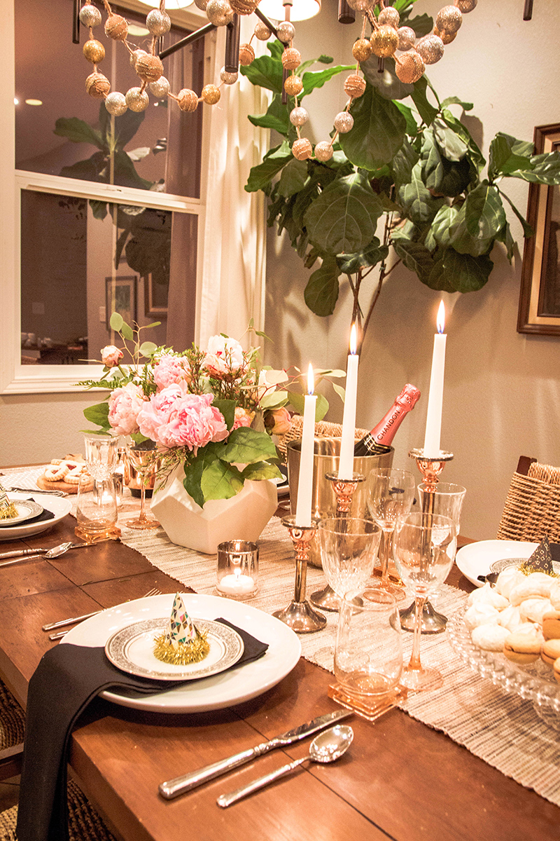 A New Years Tablescape