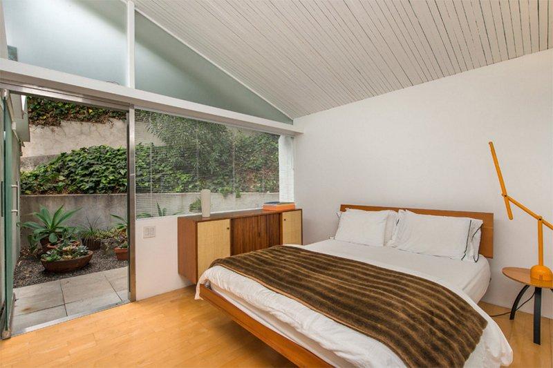 bright midcentury modern bedroom designs  home design lover, Bedroom decor