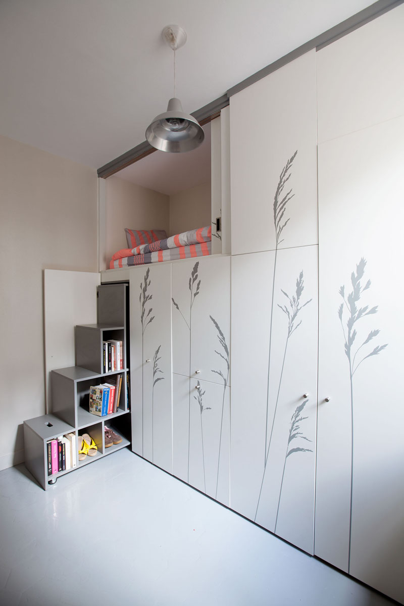 KITOKO Studio Apartment shelves