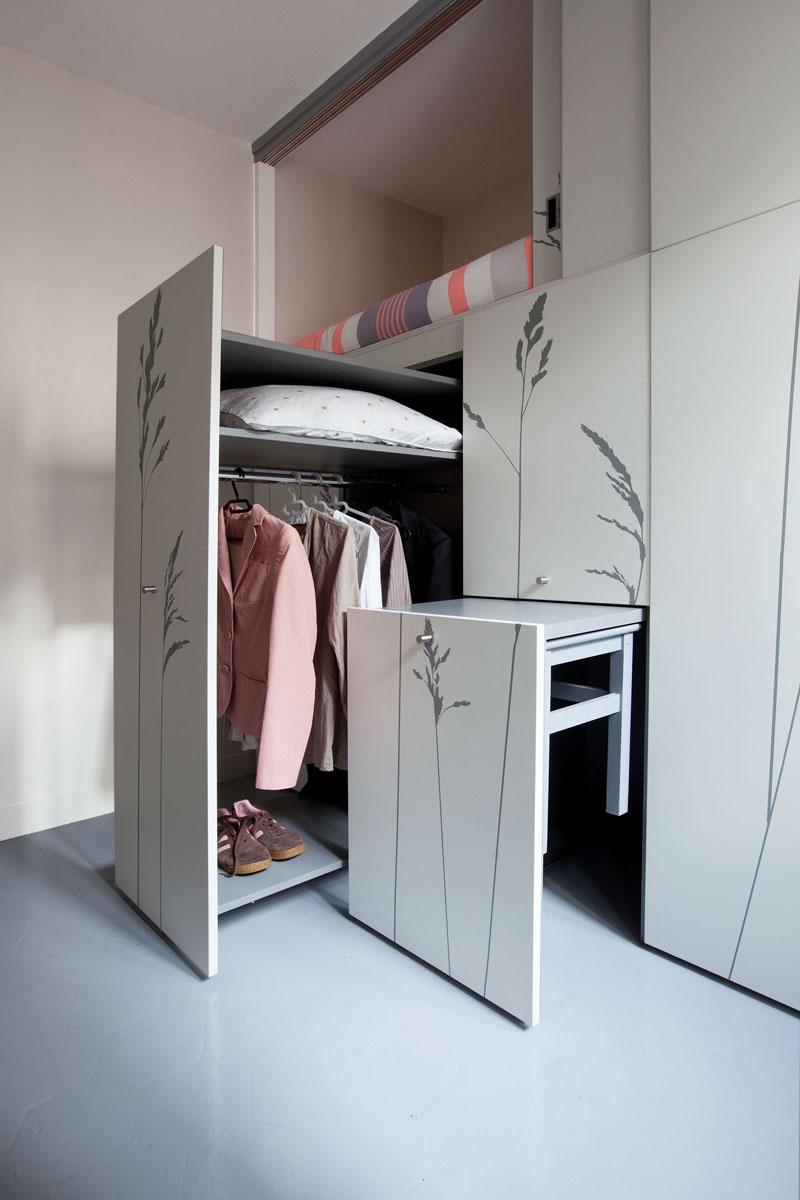 KITOKO Studio Apartment closet table