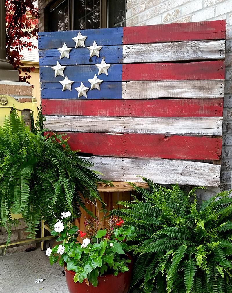 Patriotic pallet flags
