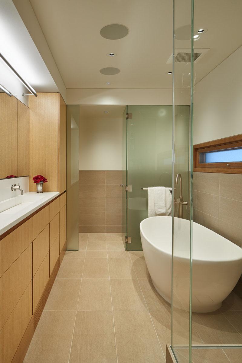 Floating House bathroom